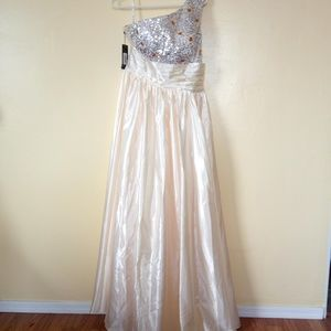 Sarah's Bridal Formal Prom Dress Gown Size 14